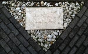 eerste steen (Mobile)